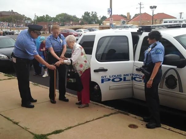 102-Year-Old Woman Asked to be Arrested to Fulfill Her Bucket List