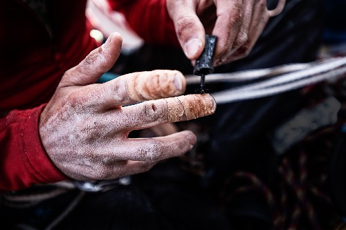 Chasing History, Yosemite Climbers Sand and Superglue Their Fingers