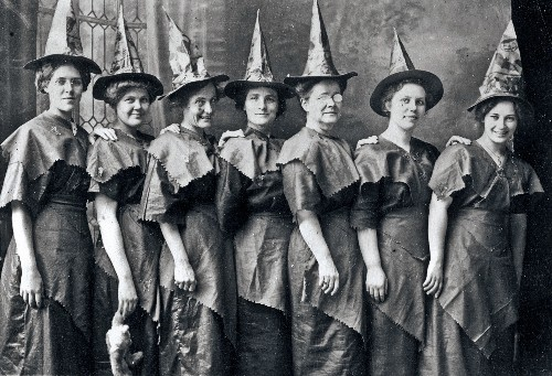 Halloween: costumes, history, myths, and more