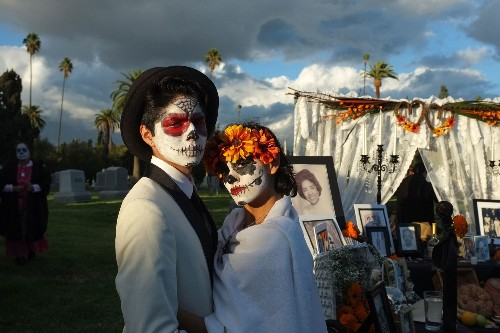 See beautiful photos of Day of the Dead