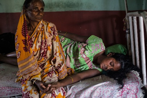 Pictures Show How Dangerous It Can Be to Give Birth