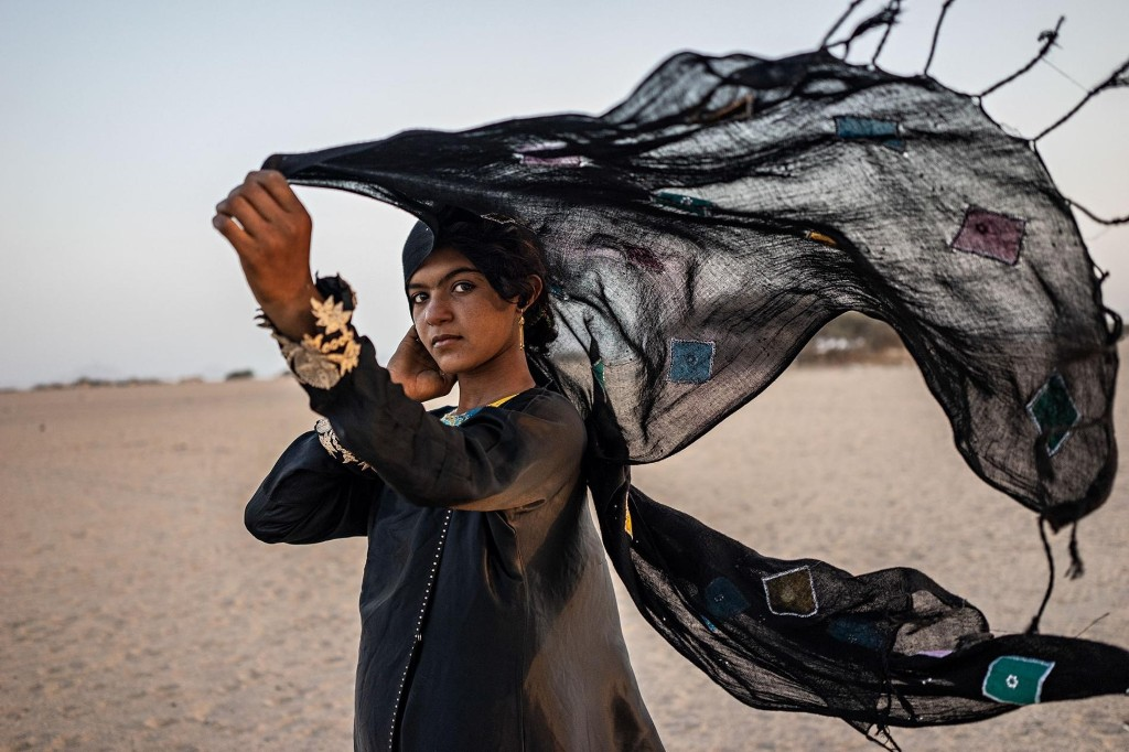 In Yemen's war, a photographer finds points of light in the darkness