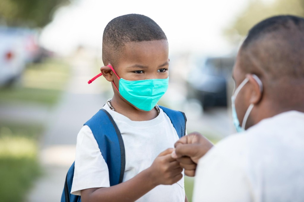 How to help kids cope with the pandemic as we head into winter