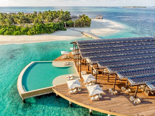 These luxury resorts want to save the Maldives
