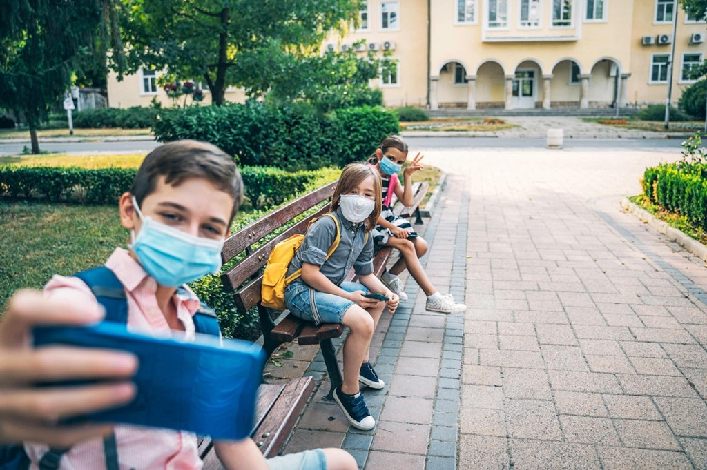 Your kids want to be social. Science says they need to be.