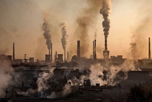 Air Pollution Robs Us of Our Smarts and Our Lungs