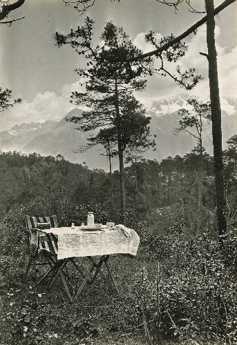 Pictures: Nice Day for a Picnic—a Century of Outdoor Eating Around the World