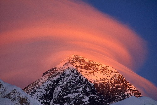 Opinion: Despite Changes, Mount Everest Is Changeless