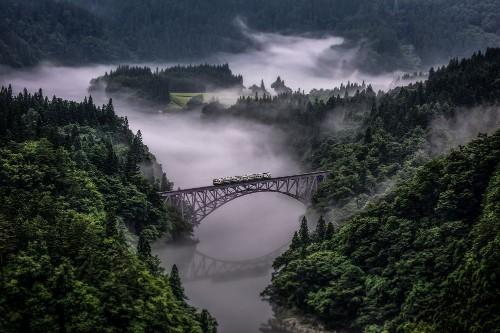 Tadami Line Photo by TERUO ARAYA — National Geographic Your Shot