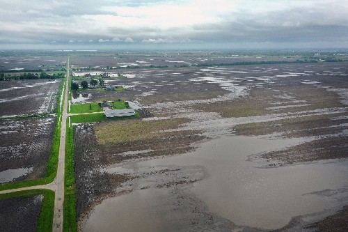 Midwest flooding is drowning corn and soy crops. Is climate change to blame?