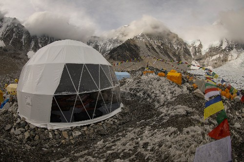 Here's what it's like to live at Everest base camp