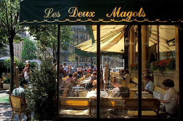 How to Explore Paris Like a Flâneur