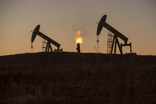 Oil Drillers' Burning of Natural Gas Costs U.S. Millions in Revenue