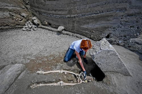 Headless Pompeii Victim Wasn't Crushed to Death, After All