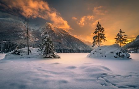 Winter evening Photo by Gregor Thelen — National Geographic Your Shot