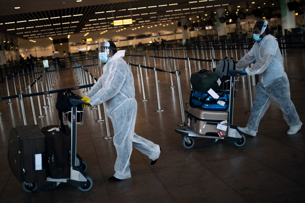 How to limit your COVID-19 risk during holiday travel