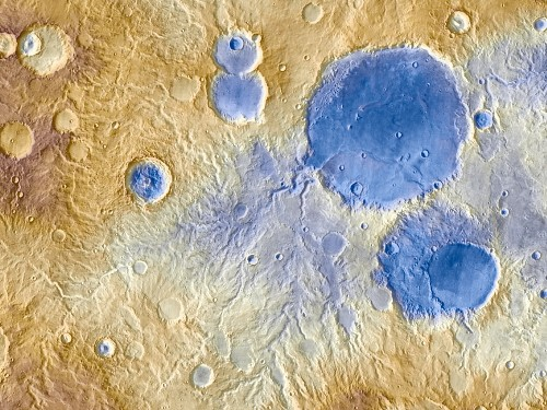 Ancient Mars Was Snowy, New Model Suggests
