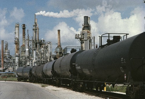 U.S. Oil Export Decision Opens New Potential Gateway for Industry