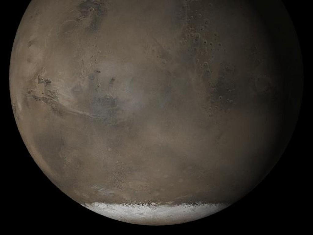 Mars may be hiding tantalizing lakes beneath its glaciers