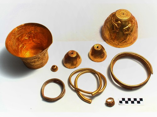 """Gold Artifacts Tell Tale of Drug-Fueled Rituals and """"Bastard Wars"""""""