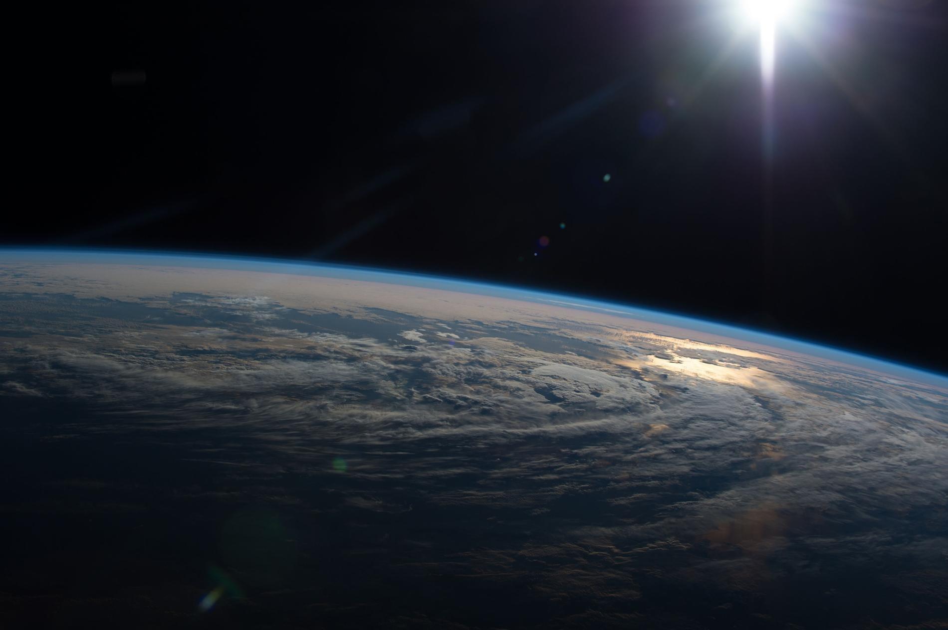 Earth 2 Hub - cover