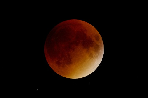 Rare 'Super Blue Blood Moon' Coming—First in 35 Years