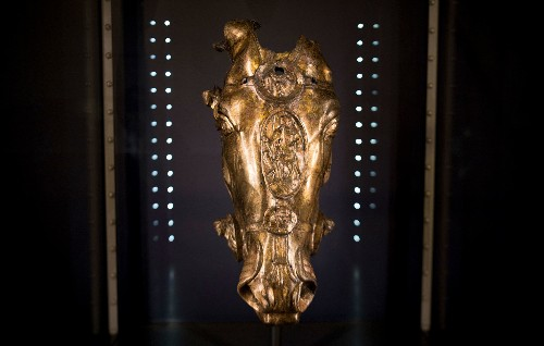 This Golden Head Adds a Twist to Ancient Roman History