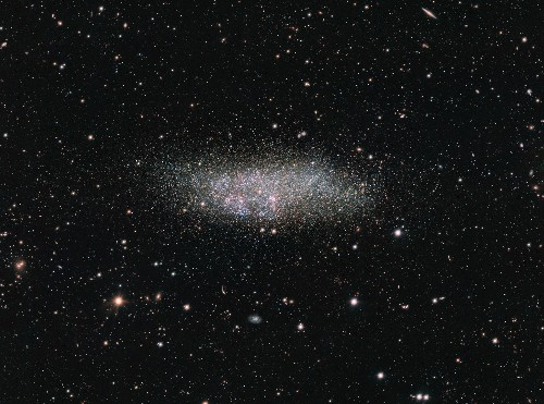 Week's Best Space Pictures: A Loner Galaxy Gleams