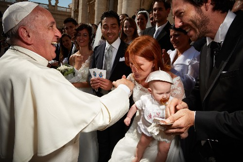 Rare Access Allows a Photographer to Show Us the People Power of Pope Francis