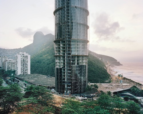 Dreams, Illusion, and Isolation in Rio de Janeiro