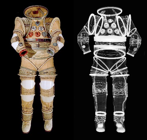 Pictures: What's Inside a Space Suit? X-Rays Reveal All