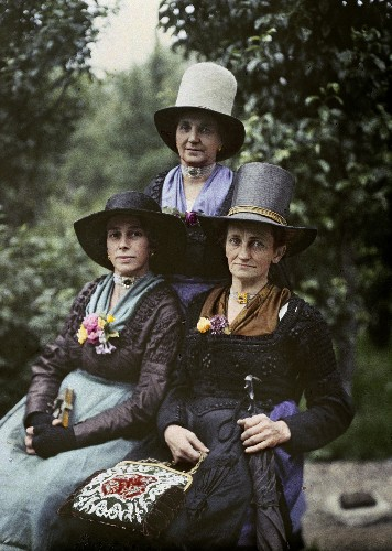 Our Most Stunning Antique Photos of Women Around the World