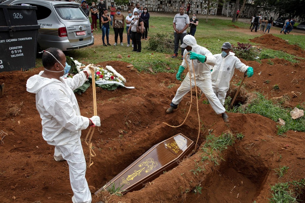 As coronavirus sweeps Brazil, families only have 10 minutes to say goodbye