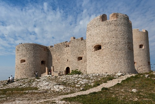 7 Old Prisons That Are Open to Visitors