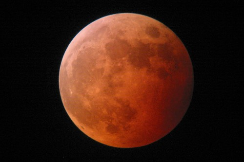 Watch for These Top 5 Sky Events of 2015: Eclipses, Comets, and Planets