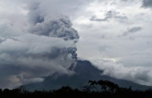 Mount Sinabung Volcano Erupts, Spews Ash 4 Miles High