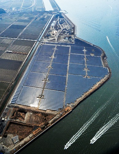 Japan Solar Energy Soars, But Grid Needs to Catch Up
