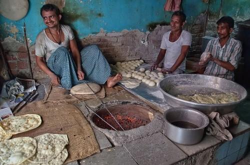 Tandoori Roti (Bread) Makers in Mumbai Photo by Rizwan Mithawala — National Geographic Your Shot