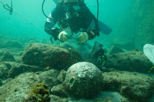 Shipwreck Discovered from Explorer Vasco da Gama's Fleet