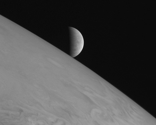 As New Horizons Speeds Toward Pluto, We Revisit Its Gorgeous Jupiter Pics