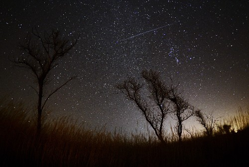 Supermoon Meteors and 7 More Can't-Miss Sky Events in December