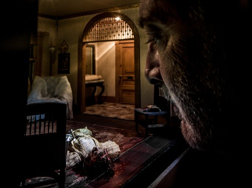 Peek Into Tiny Crime Scenes Hand-Built by an Obsessed Millionaire