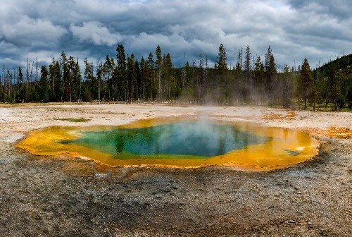 How dangerous are supervolcanoes? Get the facts.