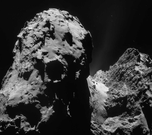 Rosetta's Comet Lander Will Revive After Bumpy Touchdown, Scientists Say