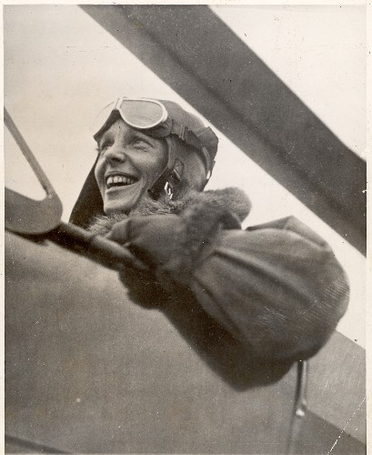 Amelia Earhart's 1935 Story on Becoming First to Fly From Hawaii to California