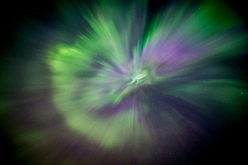 Space Pictures This Week: Starburst Aurora, Milky Way Portraits
