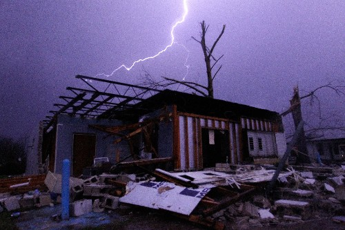 The Science Behind This Winter's Deadly Tornadoes