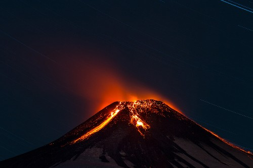 Stunning Nighttime Pictures of Chilean Volcano Erupting