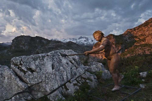 Ancient Man Had Neanderthal Great-Great Grandfather