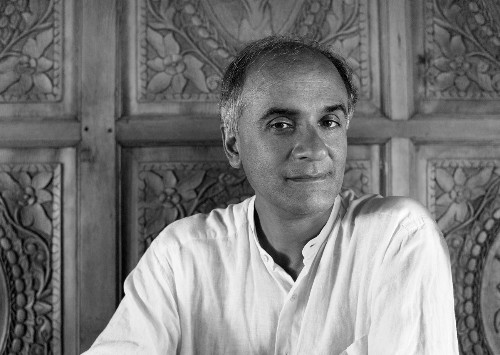 """Pico Iyer's Japanese Love Story, from Spring to """"Autumn Light"""""""